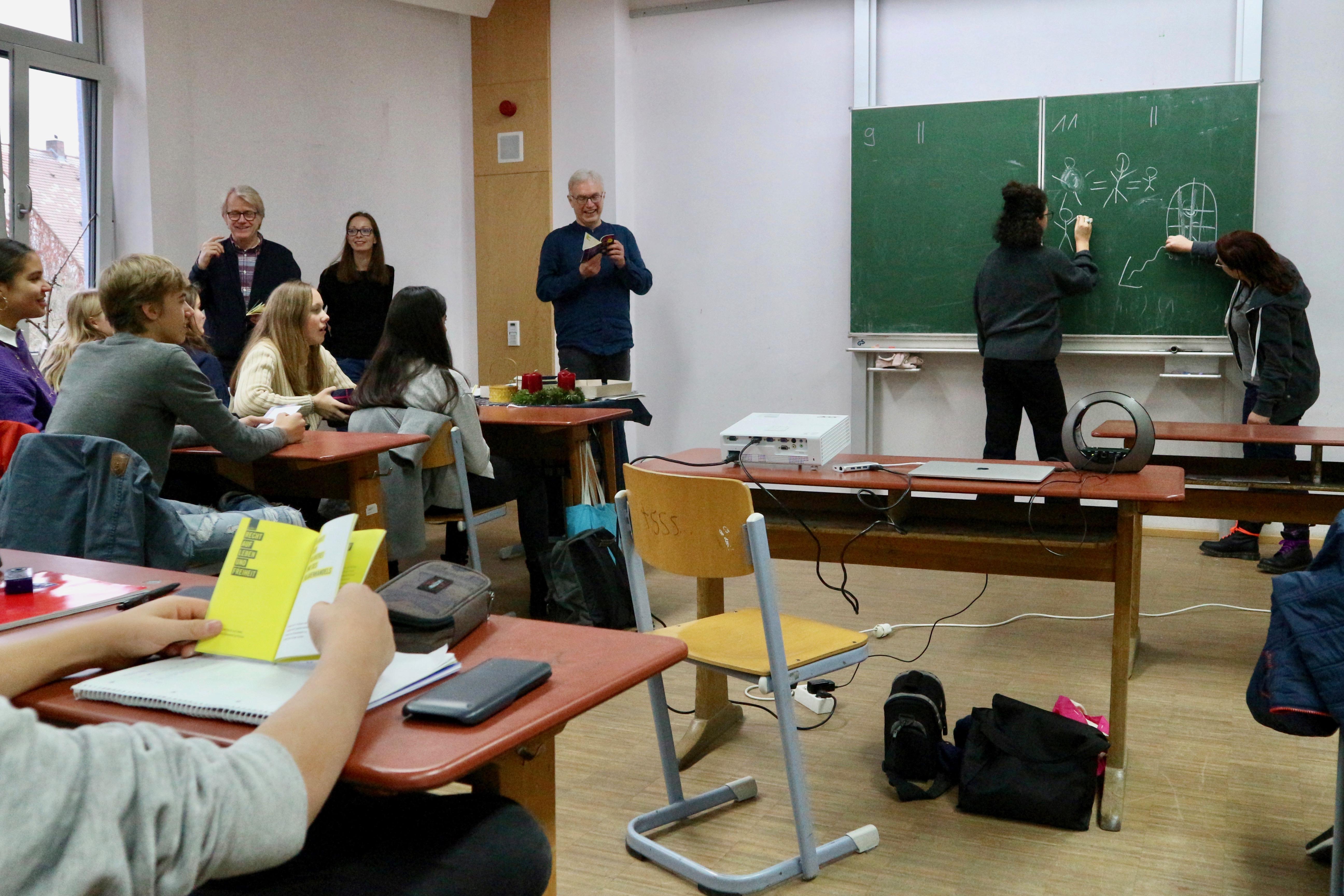 Amnesty International beim Unterrichtsbesuch an der Rudolf Steiner Schule Nürnberg