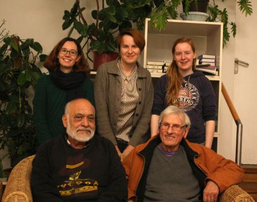 Einige Amnesty-Mitglieder der Nürnberger Gruppe